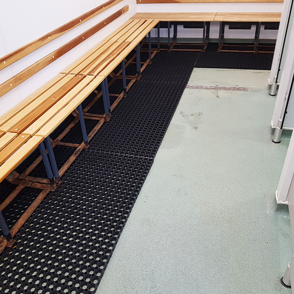 Rubber Grass Mats In Changing Room