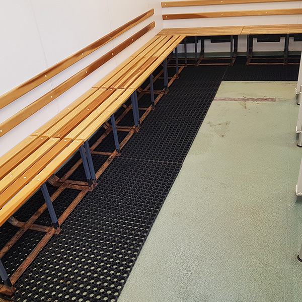 Rubber Grass Mats In Changing Room1