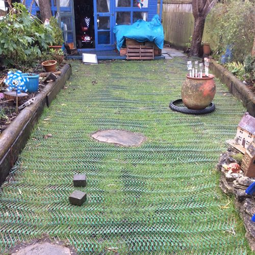 Grass-Reinforcement-Mesh-On-Garden---Top-of-Garden