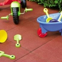 Rubber play tiles