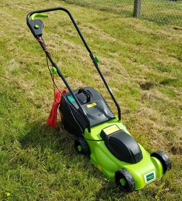 1000w lawnmower on grass