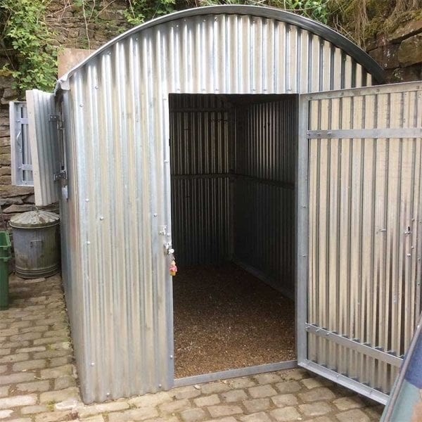7ft x 5ft Plastic Shed Base With Metal Shed