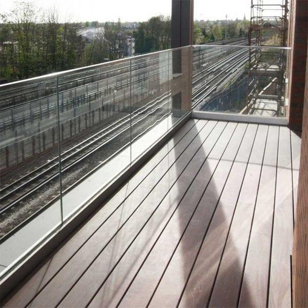 Elegrodeck Blake Oak Balcony Installation