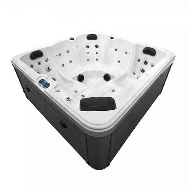 Rixos Hot Tub - Corner View