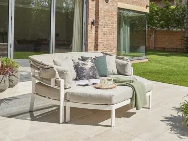 Titchwell Garden Day Bed White