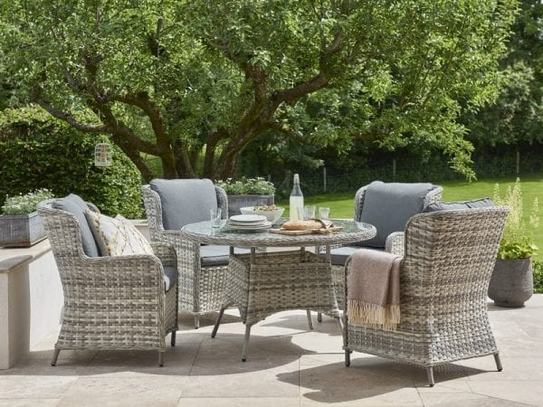 Wroxham 4 Seat Outdoor Dining Set - In Situ